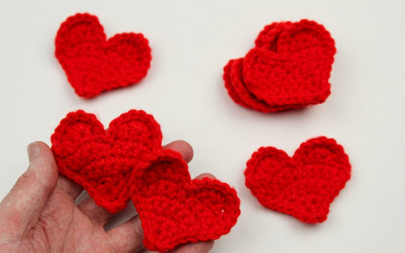 Easy Flat and Stuffed Crochet Heart Pattern!